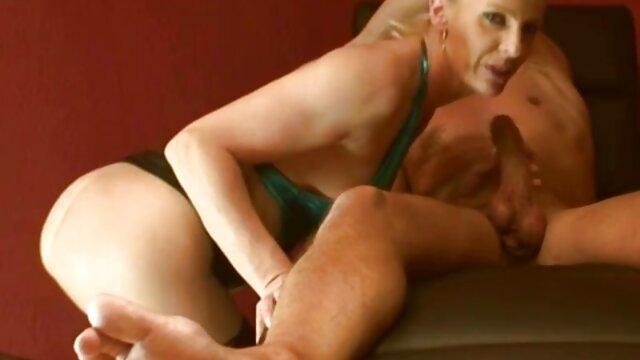 Adorable Transe Spielt mit Ihrem gratis pornos mit alten weibern Harten Schwanz