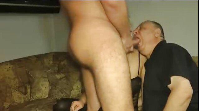 Twistys-Darsteller pornofilme reife damen bei She Loves Liebäugelt