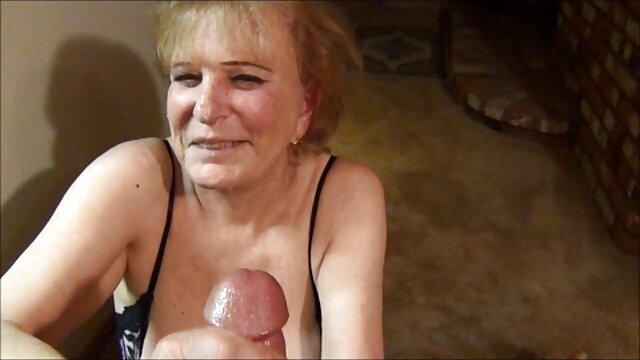fachmännisch lässt einen pornofilme alte weiber Schwanz weinen.