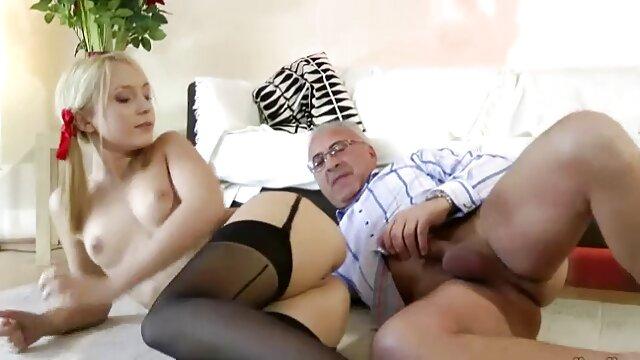 Rosa Strumpfhose ist aus für den heißen gratis pornos mit alten weibern hardcore