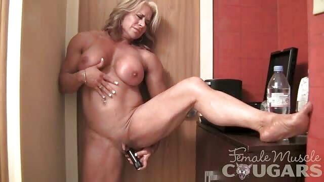 Süße Blondine wird gefickt im alte pornos gratis Büro