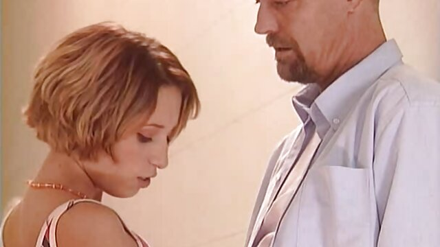 Brazzers-unschuldige Teen Carolina Sweet will kostenlose sexfilme mit alten frauen einen älteren Schwanz