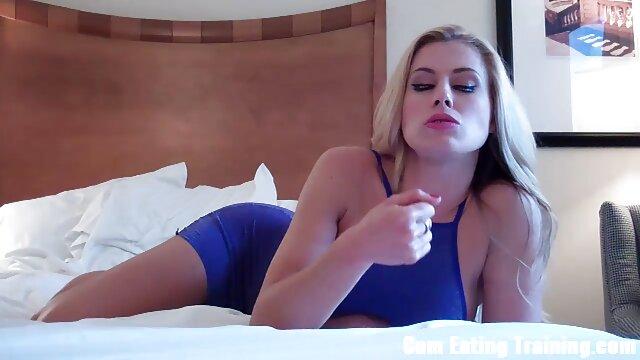 Geile babe dringt pussy reife frauen sexfilme kostenlos mit Objekten