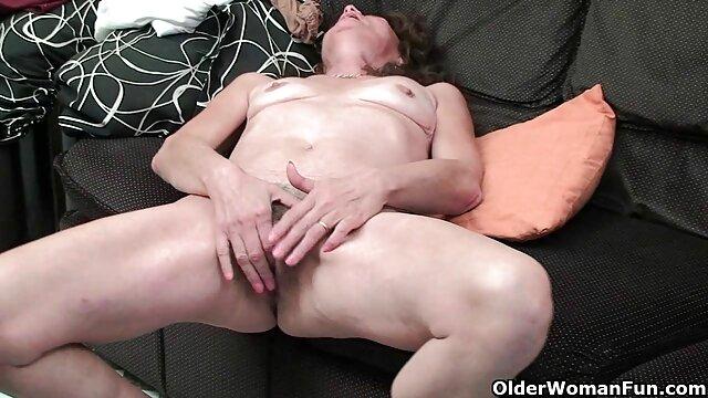 Vitress Tamayo Spielt mit klebrigem alte pornofilme kostenlos Sperma!