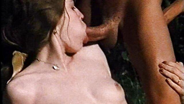 Curly straighty zerren und streicheln gratis pornofilme mit reifen frauen