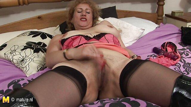 Goth emo rosa Schlampe saugt und nimmt alte pornofilm Schwanz von hinten und spritzt große Titten