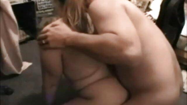 Tropfende nasse DD Titten antike pornofilme hüpfen mit jedem Schwanz Schlaganfall