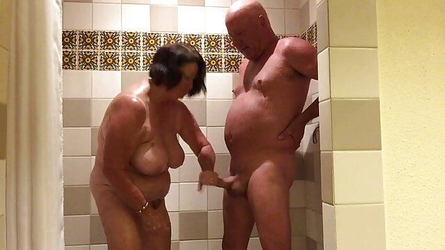 Nubile Filme - Gina lecken sexfilmemitaltenfrauen Sperma aus Didos Arsch