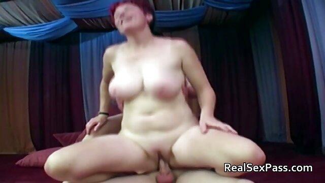 Hirota hat einen Schwanz zu saugen und dann direkt darauf zu sex filme mit älteren frauen springen