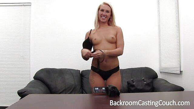 Antonia mastubating im sexfilme ältere damen Auto